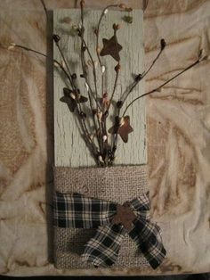 simple craft, rectangle board painted and scruffed, burlap layers with a fabric swatch and berry and star accents