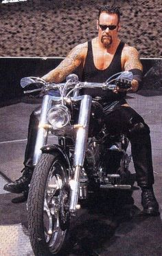 The Undertaker was born on March 1965 and he is an American professional wrestler. The Undertaker made his debut in The Undertaker is the biggest legend ever to compete in a WWE ring. Die hard wrestling fans are really mad to have Undertaker pho Wrestling Stars, Wrestling Wwe, The Undertaker, Eddie Guerrero, Catch, Wrestling Superstars, Wwe World, Wwe Wrestlers, Professional Wrestling