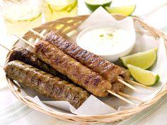 Homemade Lamb Kebab Recipe with Yogurt Sauce and Pita Breads (w/ minced meat combo)