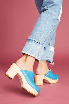Slide View: 2: Swedish Hasbeens Louise Platform Clogs #ClogsShoesPlatform Wooden Sandals, Wooden Clogs, Swedish Clogs, Swedish Hasbeens, White Knee High Boots, Walking In High Heels, Clogs Shoes, Mules Shoes, Black Knees