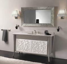 Masca pentru chiuveta de baie gri argintiu si chiuveta pe blat alb