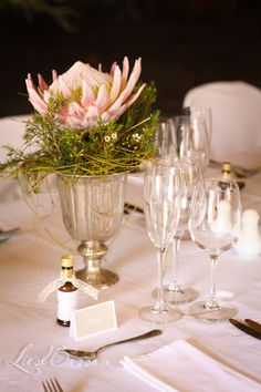 Protea's on the table Flower Decorations, Wedding Decorations, Wedding Ideas, Table Decorations, Nice Ideas, Xmas, Christmas, Tablescapes, Party Planning