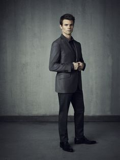 Picture: Daniel Gillies in 'The Vampire Diaries.' Pic is in a photo gallery for Daniel Gillies featuring 32 pictures. Serie Vampire Diaries, Vampire Diaries Seasons, Vampire Diaries The Originals, Daniel Gillies, Stefan Salvatore, Raining Men, Character Portraits, Delena, Attractive Men