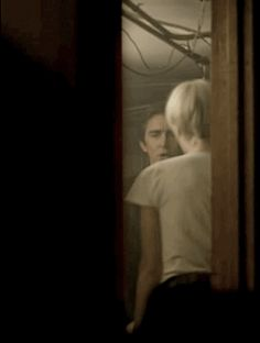 Halt and Catch Fire season1 episode 1 Joe MacMillan Cameron Howe #kissing  Lee Pace Mackenzie Davis