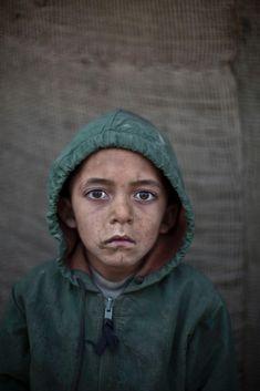 portraits d enfants afghan refugies au pakistan 13   Portraits denfants afghans réfugiés au Pakistan   refugie portrait photographe photo pa...