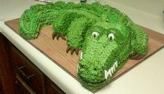 Alligator/Crocodile cake