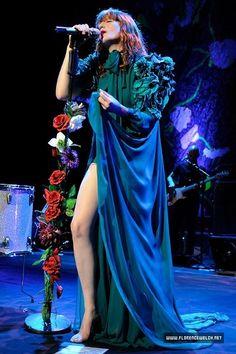Florence Welch in Gucci Couture Fashion, Boho Fashion, Florence Welch Style, Florence The Machines, Diane Keaton, Helena Bonham Carter, Lorde, Girls Be Like, Costume Design