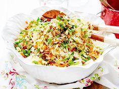 Unser beliebtes Rezept für Asiatischer Kraut-Reis-Salat und mehr als 55.000 weitere kostenlose Rezepte auf LECKER.de.