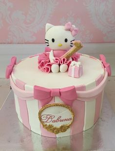 Hello Kitty Birthday cake in pink and gold