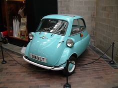 The Isetta Bubble Car. This will do as well:) Bmw Isetta, Bmw Classic Cars, Classic Car Show, Chrysler Convertible, Microcar, Small Cars, Old Cars, Car Pictures, Vintage Cars