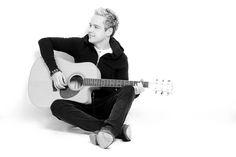 Derek Ryan - Ireland's biggest country star! #countrymusic #irishcountry #ireland #guitar #country #derekryan #music  www.derekryanmusic.com Big Country, Country Music, Hot Guys, Hot Men, Guitar, Singer, Stars, Ireland, Artist