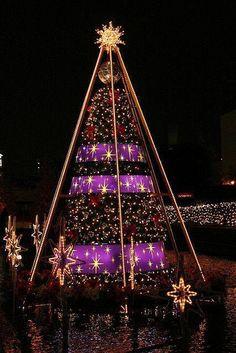 Christmas Tree in Tokyo, Japan http://ift.tt/1lBDqgJ