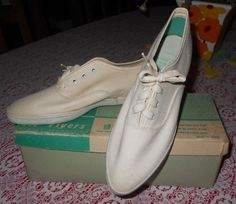 8e4b1b76308e63 Vintage Girls White Canvas Pointy Toe DEADSTOCK PF FLYERS SNEAKERS Sz 1 1 2  NOS