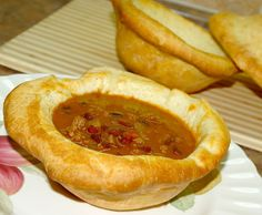 Have your chili and eat the bowl too. Bread bowls are a fun way to serve chili or soup. I use Anneliese's fool proof french bread recip. Amish Recipes, Bread Recipes, Donut Recipes, Chili Recipes, Homemade Bread Bowls, Homemade Soup, Pennsylvania Dutch Recipes, Bread Baking, Yeast Bread