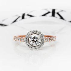 Round Brilliant cut diamond halo engagement ring #bykalfinjewellery #diamondjewellery #jewellers #collinsst #weddingring #cbdjeweller #collinsst #melbourne #bestdiamonds #bestjeweller #diamondringsmelbourne #engagementrings #collinsst #weddingring www.kalfin.com.au