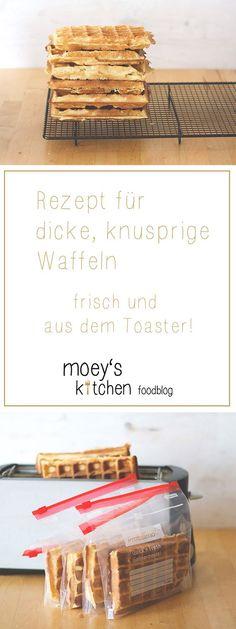 Rezept für dicke, knusprige Waffeln - frisch und aus dem Toaster! Von moeyskitchen.com