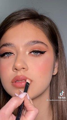 Makeup Tutorial Eyeliner, Makeup Looks Tutorial, No Eyeliner Makeup, Cheekbones Makeup, Tan Skin Makeup, Eyeliner Styles, Eye Makeup Art, Natural Eye Makeup, Natural Makeup Tutorials
