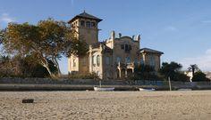 Villa Zanelli, lungomare del quartiere di Legino, via Nizza, Savona