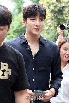 """On the afternoon of 18 July 💗 Ji Chang Wook 💗 arrived at the KBS Public Hall Studios in Yeouido to film another segment for the """"Yoo Hee Yeol's Sketchbook"""" musical variety program, t… Ji Chang Wook Smile, Ji Chan Wook, Asian Actors, Korean Actors, Dramas, Ji Chang Wook Photoshoot, Celebrity Smiles, Suspicious Partner, Action Film"""