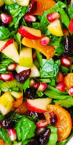 Winter Salad: Spinach Salad with Fruit and Maple-Lime Dressing salad salad salad recipes grillen rezepte zum grillen Winter Salad Recipes, Healthy Salad Recipes, Vegetarian Recipes, Cooking Recipes, Christmas Salad Recipes, Fruit Recipes, Recipies, Salade Caprese, Lime Dressing