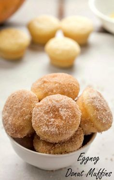 The only thing better than a donut is a donut hole. They're the perfect size for snacking! These Eggnog Donut Muffins taste just like donut holes. They're soft and moist and have great eggnog flavor. Muffin Recipes, Brunch Recipes, Dessert Recipes, Breakfast Recipes, Just Desserts, Delicious Desserts, Yummy Food, Beignets, Donut Muffins