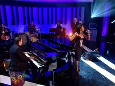 """Dave Swift on Bass with Jools Holland backing Louise Marshall """"I Went By"""""""