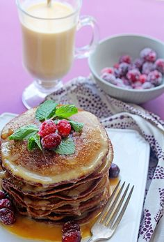 Gingerbread Pancakes with Eggnog Syrup - your Christmas morning breakfast will never be the same after these amazingly fluffy pancakes with a Christmas flavored twist! It will become your favorite gingerbread recipe. Christmas Brunch, Christmas Breakfast, Christmas Morning, Christmas Goodies, Southern Christmas, Christmas Time, Xmas, Gingerbread Pancakes, Gingerbread Recipes