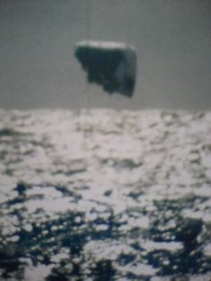 The incredible images of Unidentified Flying Objects in the Arctic originated from the USS Trepang, SSN 674 in March, 1971. Aliens And Ufos, Ancient Aliens, Us Navy Submarines, Mystery, Unidentified Flying Object, Secret Photo, Bizarre, Ufo Sighting, Alien Sightings