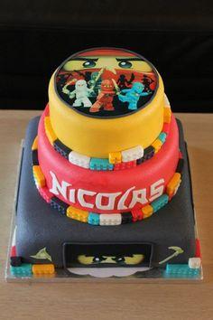 Lego Ninjago cake- Is Giczy up to the task? I bet she can do it! Little George wants a Ninjago Birthday. Lego Ninjago Cake, Ninjago Party, Lego Cake, Ninja Birthday, Lego Birthday Party, Birthday Parties, Cupcakes, Cupcake Cakes, Lego Torte