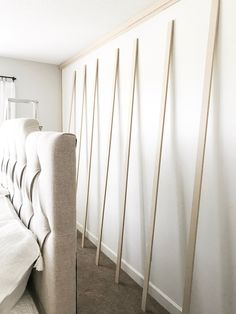 Bed room makeover board and batten accent wall - Article Physique: Listed here are a number of ideas Home Bedroom, Master Bedroom, Bedroom Decor, Bedroom Wall Designs, Mawa Design, Design Design, Design Hotel, House Design, Focal Wall