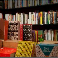 Buch & Bohne. Die Buchhandlung mit Cafe Online. || München