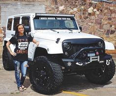 Girls Who Drive Jeep Wrangler - Bing images White Jeep Wrangler, Jeep Wrangler Lifted, Jeep Rubicon, Jeep Wrangler Unlimited, Jeep Wranglers, Lifted Jeeps, Jeep Jk, Jeep Truck, Jeep Wrangler Accessories