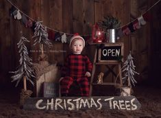 The Littlest Woodsman - Holiday Family Photo Ideas That Are Downright Adorable - Photos