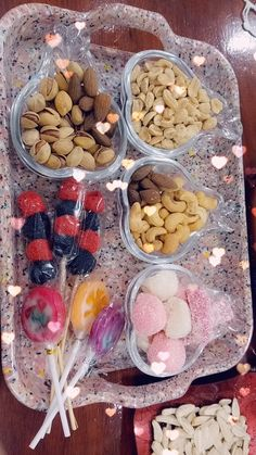 Cool Instagram Pictures, Cute Funny Baby Videos, Snap Food, Cute Girl Wallpaper, Food Snapchat, Ramadan Decorations, Healthy Fruits, Love Gifts, Doughnuts
