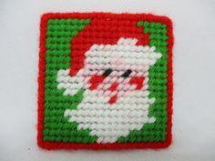 Plastic Canvas Ornaments, Plastic Canvas Christmas, Plastic Canvas Crafts, Plastic Canvas Patterns, Christmas Coasters, Christmas Cross, Christmas Ornaments, Christmas Door, Christmas Decorations