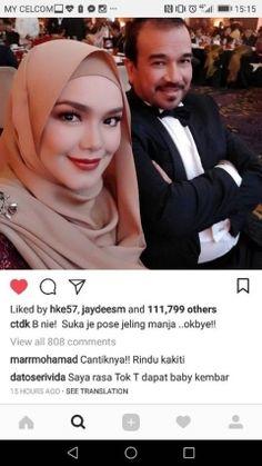 Datuk Seri Vida ramal Datuk Siti Nurhaliza hamil anak kembar   KUALA LUMPUR 18 Okt.  Jutawan kosmetik sensasi negara Datuk Seri Dr. Hazmizan Othman atau Dr. Vida meramalkan penyanyi tersohor negara Datuk Siti Nurhaliza Tarudin bakal melahirkan bayi kembar.  Datuk Seri Vida ramal Datuk Siti Nurhaliza hamil anak kembar  Dalam komen yang ditinggalkan pada foto yang dimuat naik Siti Nurhaliza di laman sosial Instagram penyanyi itu Dr. Vida menulis: Saya rasa Tok T (Datuk Siti) dapat baby kembar…