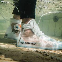 Nike shoes /Nike sneakers/nike shoes /outfit with nike /nike shoes outfits for women fashion/ Nike 'The Ten'/Nike OFF-WHITE x Chuck /Nike OFF-WHITE Off White Converse, Converse Chuck Taylor White, Off White Shoes, Sneakers Mode, High Top Sneakers, Shoes Sneakers, Sneakers Sketch, Running Sneakers, Jordans Sneakers
