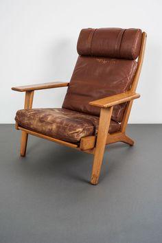 Hans Wegner; #GE290 Oak and Leather Armchair for Getama, 1953.