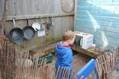 """Cute Mud Pie Kitchen – I like the hanging pans ("""",), – natural playground ideas Outdoor Play Spaces, Outdoor Areas, Outdoor Kitchens, Backyard Playground, Playground Ideas, Kids Play Area, Play Areas, Children Play, Kids Fun"""
