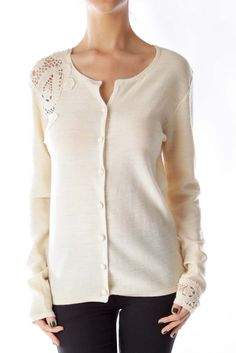 Like this Votrenon cardigan? Shop this without using money! Trade. Shop. Discover. #fashionexchange #prelovedfashion  Beige Crochet Detail Cardigan by Votrenon