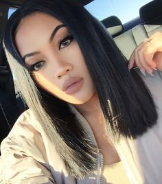 Snapchat • Desthydee ✉️ | contact@desthydee.com | youtube: Desthy Dee Lob Hairstyle, Lob Haircut, Baddie Hairstyles, Permed Hairstyles, Modern Hairstyles, Cabelo Log Bob, Cute Hair Colors, Brunette Makeup, Heart Hair