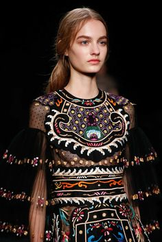 See detail photos for Valentino Fall 2015 Ready-to-Wear collection.