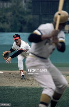 1971 World Series (Dave McNally pitches to Roberto Clemente) Shea Stadium, Yankee Stadium, 1971 World Series, Roberto Clemente, Stadium Tour, American League, Washington Nationals, Pittsburgh Pirates, Baltimore Orioles