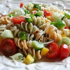 One+of+my+favorite+summer+salads+is+a+Zesty+Italian+Pasta+Salad.+It+is+easy+and+simple+to+make.+You+can+make+it+with+plain+noodles+or+with+colored...