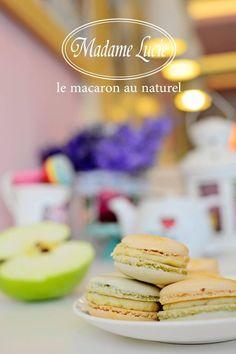 Te asteptam azi sa gusti un macaron special de Ziua Internationala a Macaronului! Macaron cu aroma de mar verde:) #macarons #madamelucie
