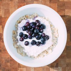The anti-detox diet: Classic oatmeal  http://www.vox.com/a/new-years-diet/day-one#day-one-Breakfast