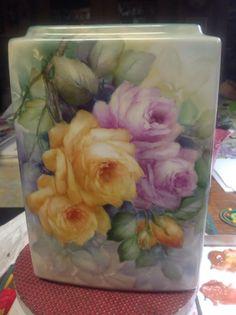 Rose Vase  Love the shape of vase too