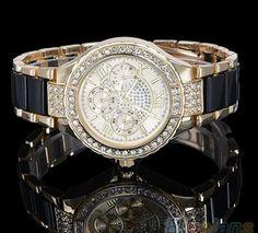 cd748bd2b69 Luxusní dámské hodinky s římskými číslicemi černo zlaté barvy Na tento  produkt se vztahuje nejen zajímavá