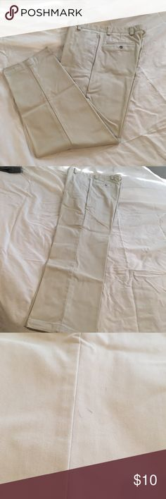 Dockers Authentic Twill Men's Pants W32 L32 Worn a few times, small spots on pants could be see in photos - would make great work pants! Dockers Pants Chinos & Khakis