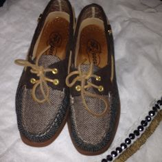 SPERRY Patchwork Fabric Topsider SIZE 8.5 Corduroy and herringbone and houndstooth patchwork fabric upper with gold colored grommets Sperry Top-Sider Shoes Flats & Loafers